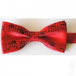 Czerwona mucha z wzorem muzycznym