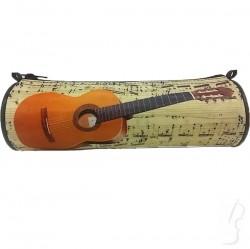 Piórnik z motywem gitary klasycznej, tuba